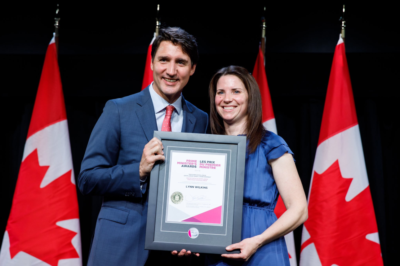 Lynn Wilkins receives award from Prime Minister